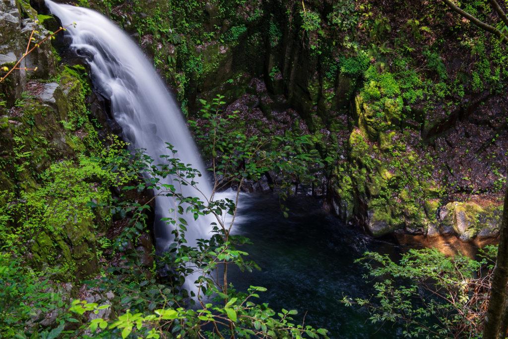 赤目渓谷の不動滝